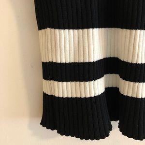 Knee length stretch pencil skirt